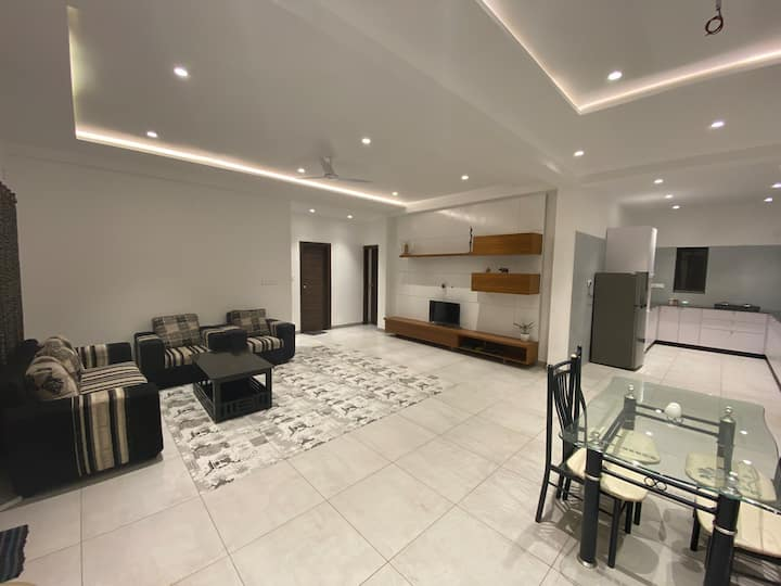 Lovely 2BHK at a calm residential prime location