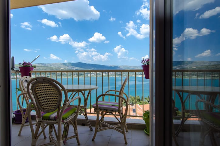 Apartment with a beautiful view - Trogir - Flat