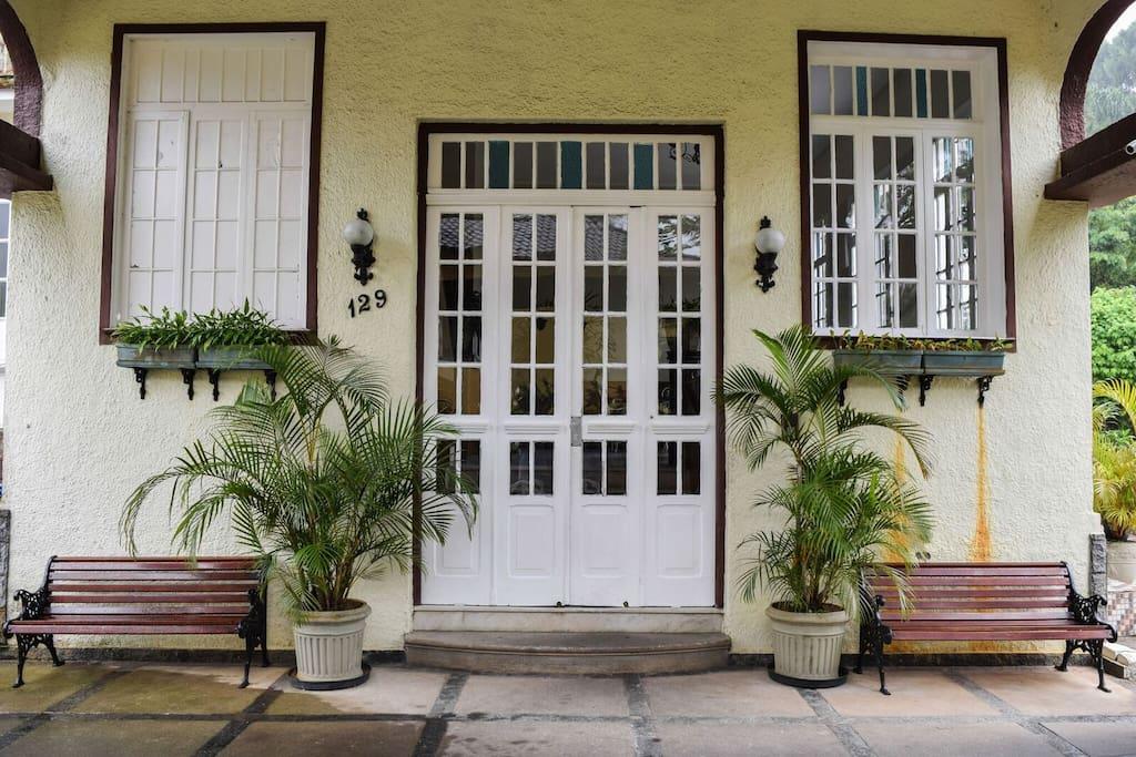 1- Entrada Principal / Main Entrance