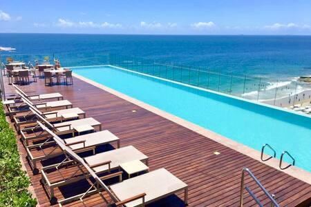 Apartamento Frente Mar no Edf Expresso 2222- Barra