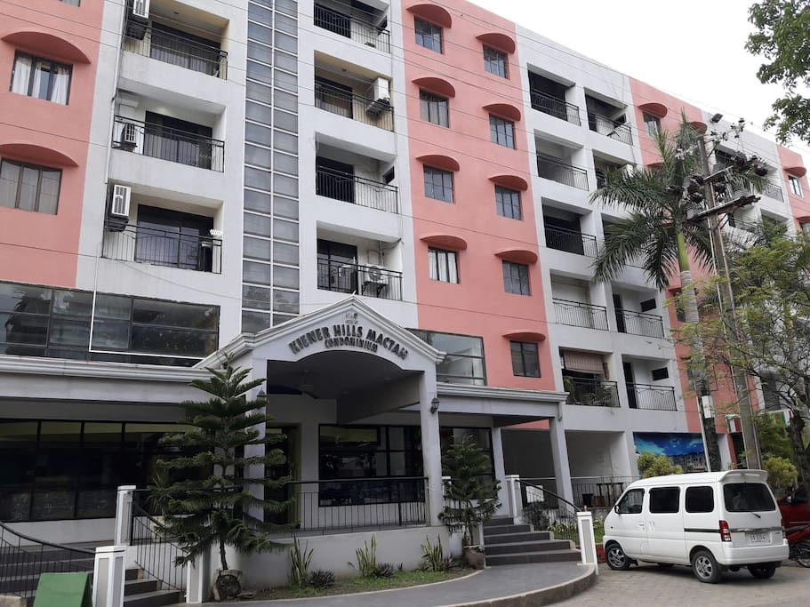 Alternative to hotel near airport appartements en for Chambre hotel lapu lapu