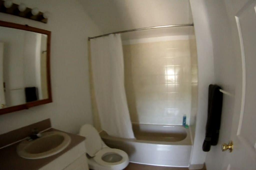 The 1 bathroom.