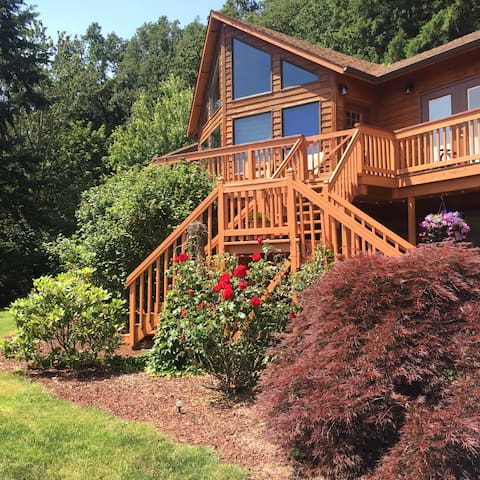 Hillside Haven 2 bdrm suite (Private Lower level) - Stayton - House