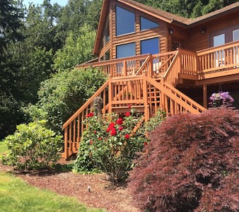 Hillside Haven 2 bdrm suite (Private Lower level) - Stayton - Huis