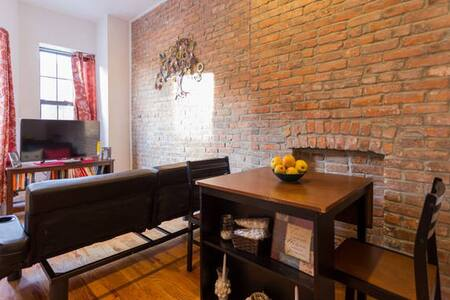 Cozy Full Bed with Shared Bath! - Brooklyn - Apartment