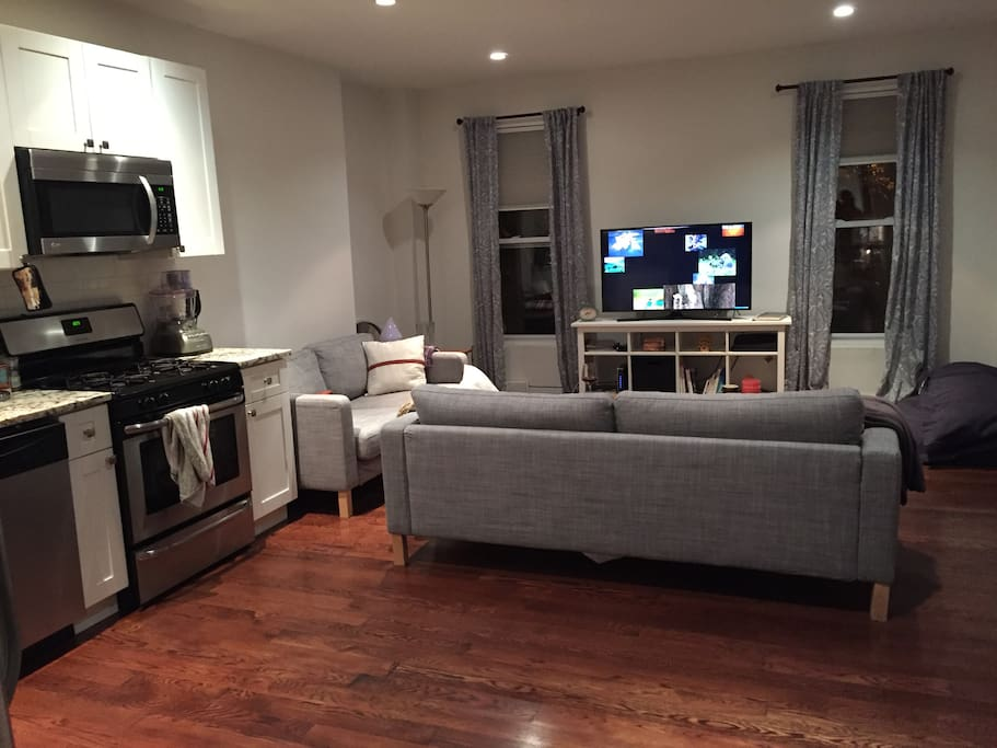 Cozy private room w ensuite bathroom apartments for rent in brooklyn new york united states for Rooms for rent in nyc with private bathroom