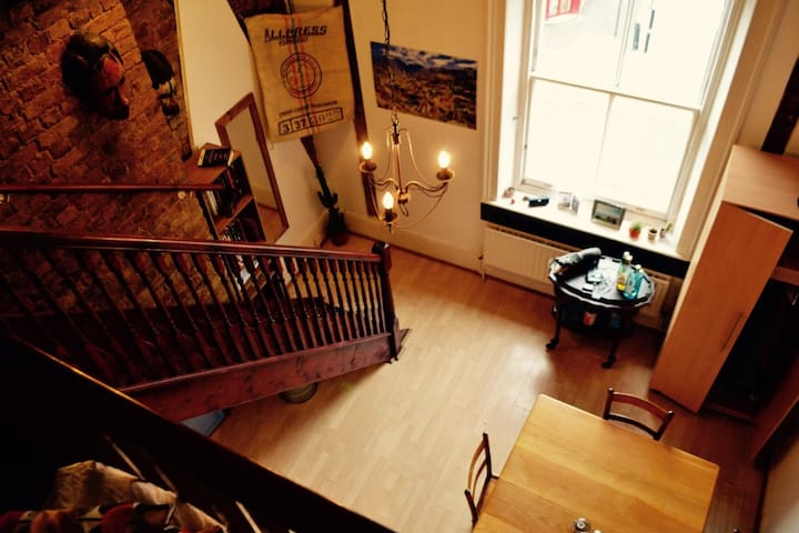 Spacious Dalston Gem - Trendy, beautiful loft