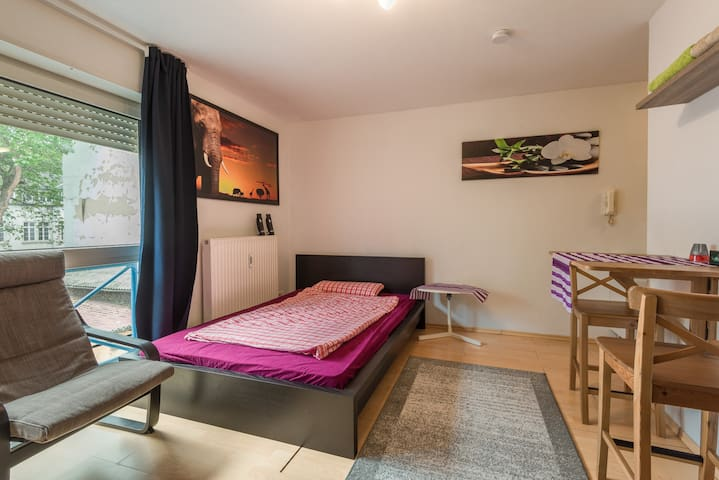 Bright Studio 3 min walk to city centre - Mannheim - Flat