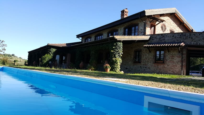 Villa in Monferrato with pool - Cremolino - วิลล่า