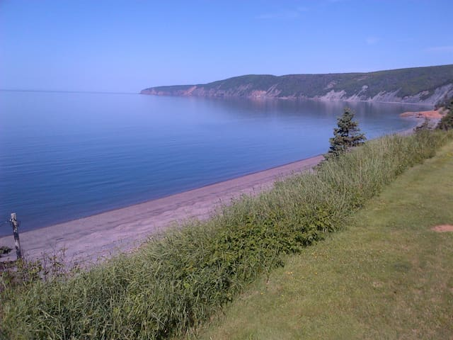 Oceanfront Bay of Fundy Retreat - Advocate Harbour