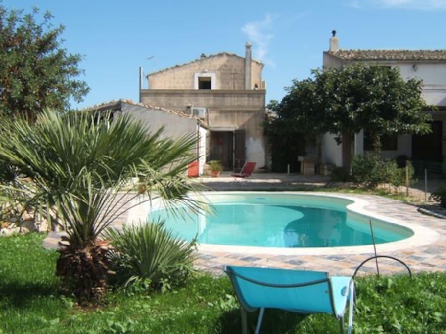 Villa con piscina a ragusa sicilia ville in affitto a - Residence con piscina in sicilia ...