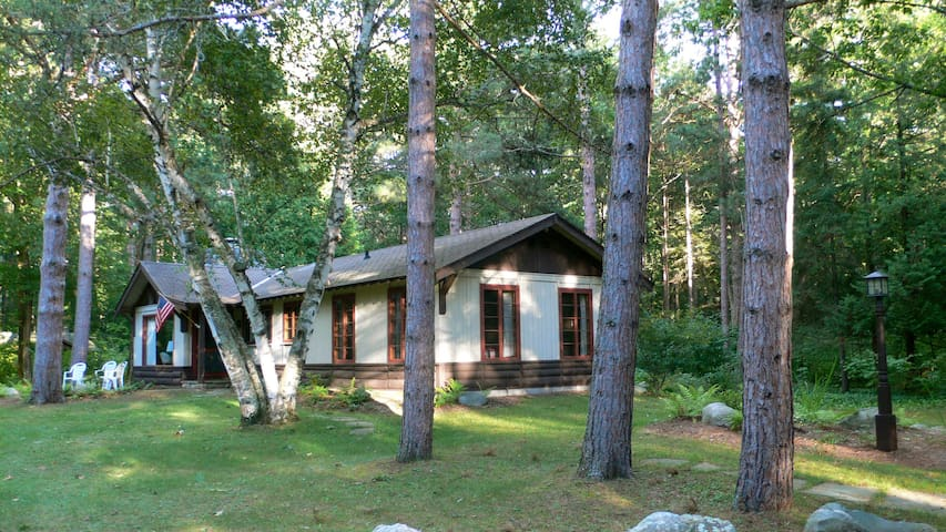 Updated cabin on Lake Michigan - Harbor Springs - Dům