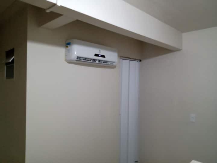 Suite com ar condicionado, Hostel das Nações