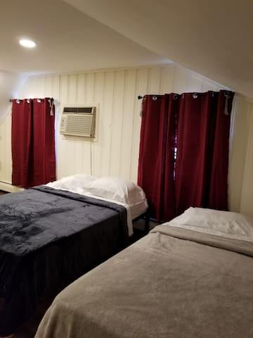 Huge Bedroom & Closet: TV, AC, Sleeps up to 4