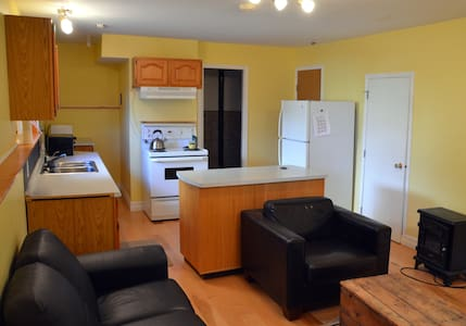Level Entry Garden Suite. - Powell River - Other