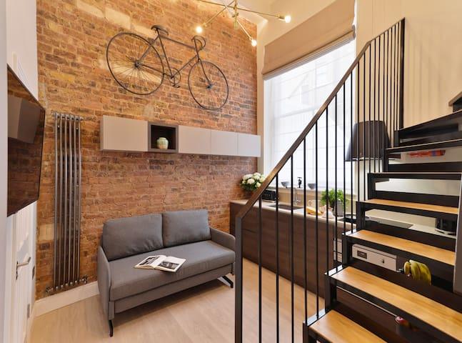 Stunning loft in premium street ZONE 1