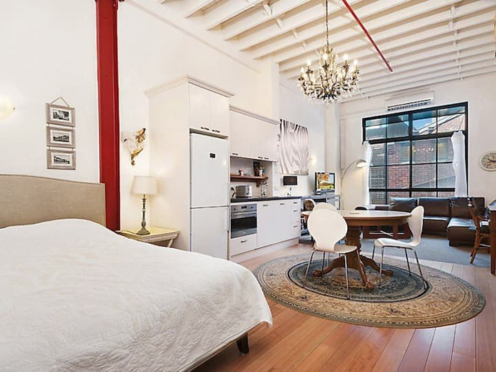 Loft style apartment in CBD