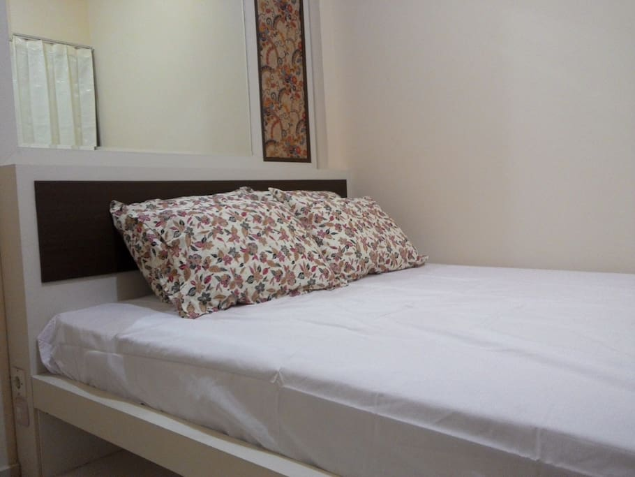 Standard room. 1 double bed for 2 persons.