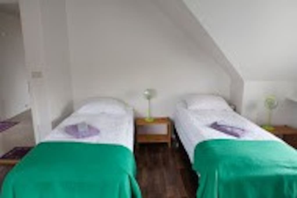 Double Room (Green)