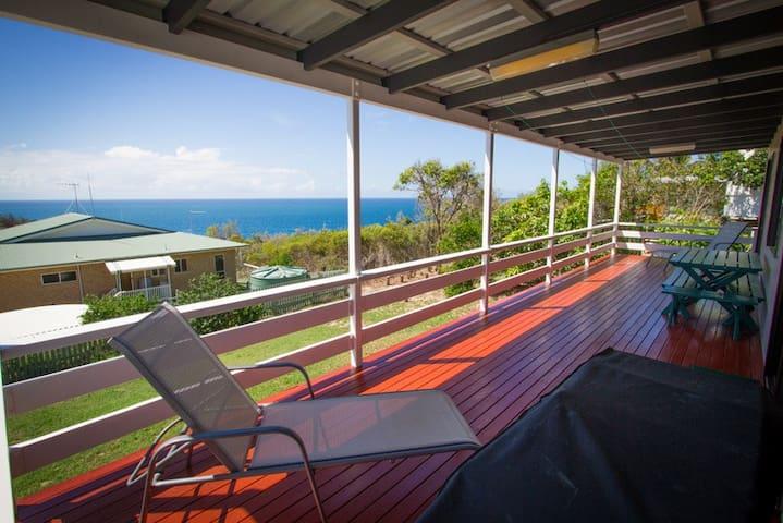 Pete's Cottage 1770 - Ocean views - Seventeen Seventy - Maison