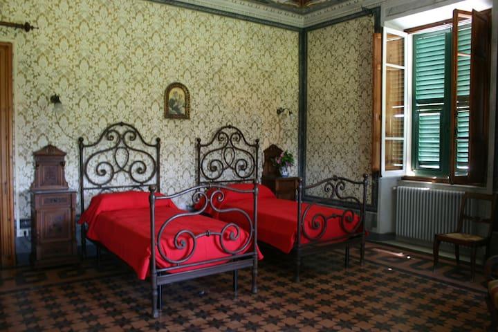 Sarzanello 1897 - Camera Pergola - Sarzana - Bed & Breakfast