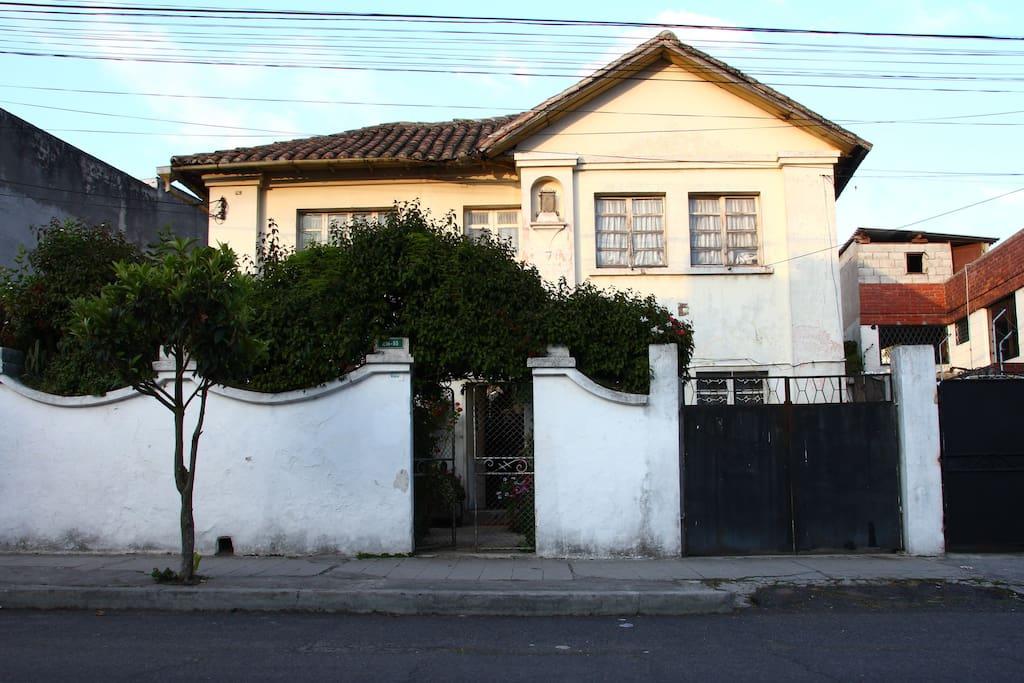 La casa de la Gringa UIO homestay