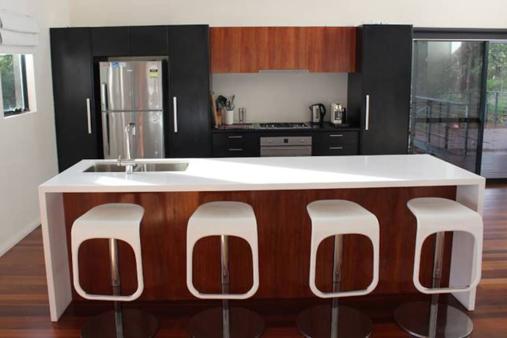 No fuss kitchen with new appliances