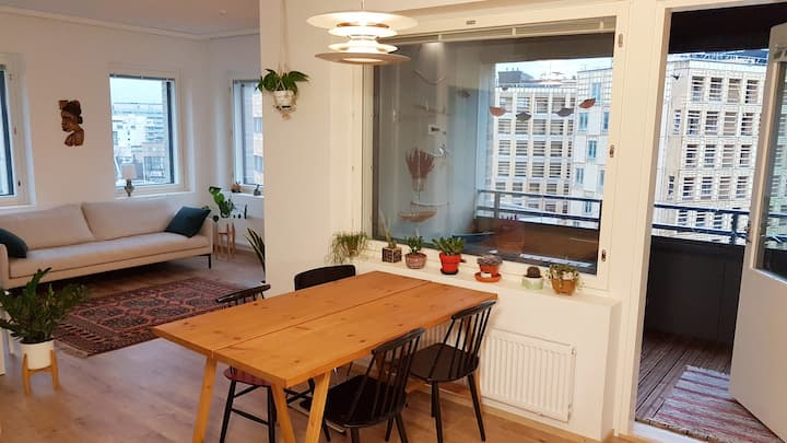Brand new flat with a sea view and great location!