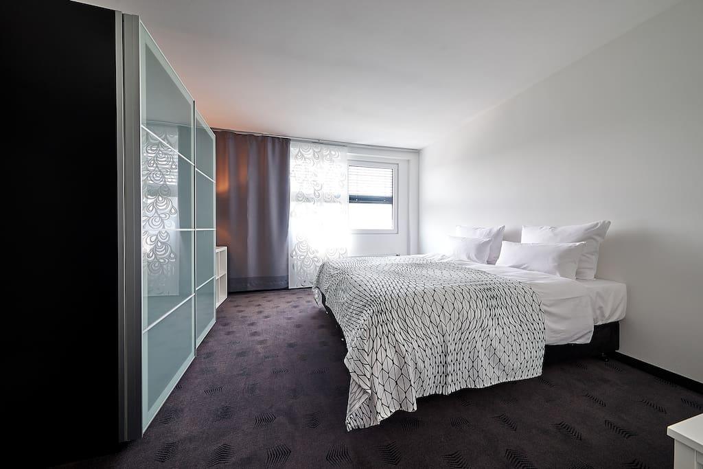 iat plaza hotel boardingwohnungen bed breakfasts zur miete in trier rheinland pfalz. Black Bedroom Furniture Sets. Home Design Ideas