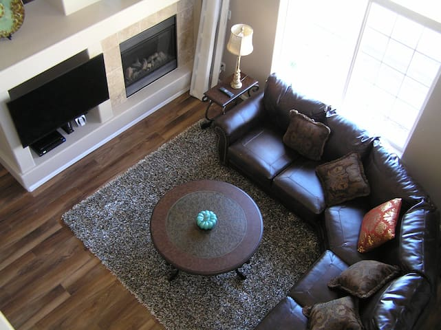Furnished Castle Rock Townhome