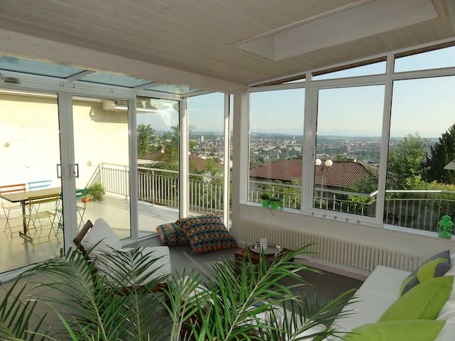Beautiful flat with excellent view - Köniz - Apartemen