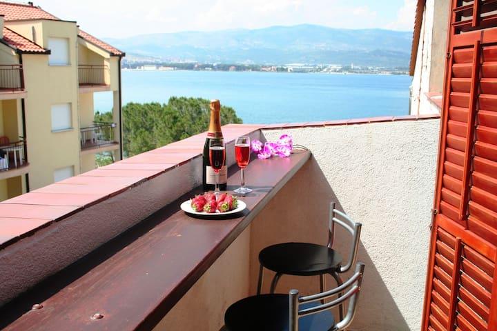 Beachfront Wohnung mit Balkon