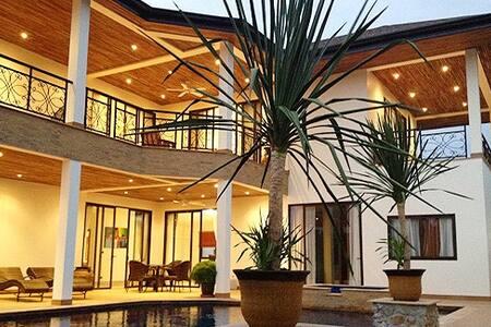 Hua Yai Pool Villa - Dream - Muang Pattaya