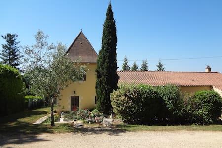 La Jaline: maison avec pigeonnier! - Duravel - Huis