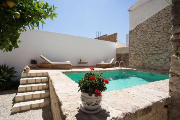 Colonial house near to Jávea with bathroom