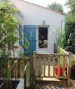 Studio, 20m², cuisine et terrasse. - Bretignolles-sur-Mer