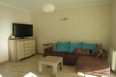 100 meters from the beach (8-10p.) - House