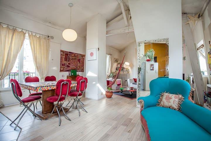 Paris : chambre arty dans un loft d'artistes