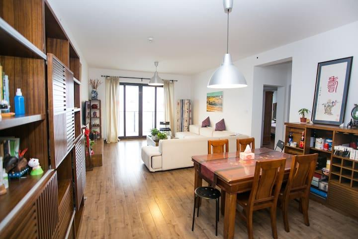 市中心双地铁高端公寓128元一线景观超值服务 - Wuxi