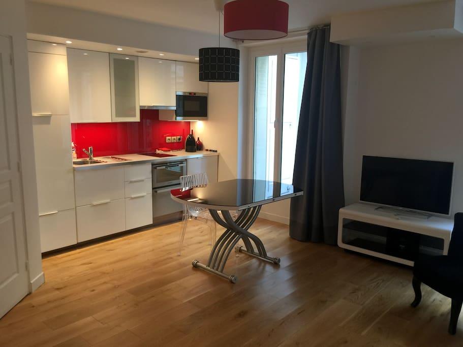 studio quartier levis paris 17 apartments for rent in paris le de france france. Black Bedroom Furniture Sets. Home Design Ideas