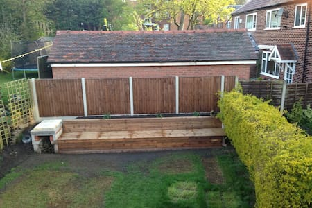 Family home, rooms for family only - Altrincham