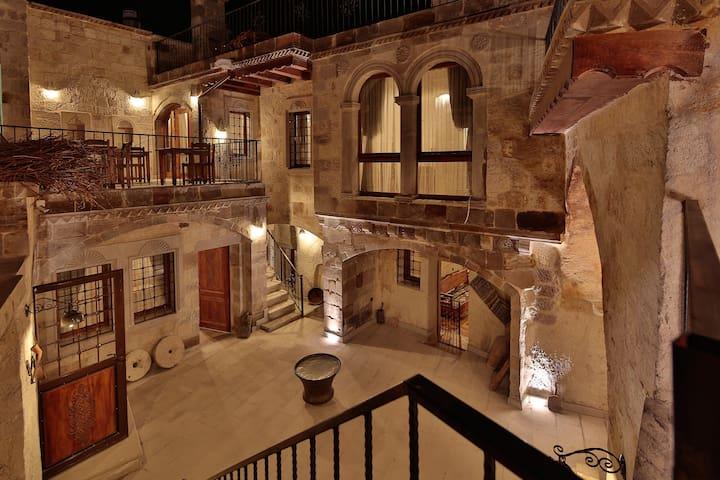 Explorer Cave Hotel - Göreme - Rumah
