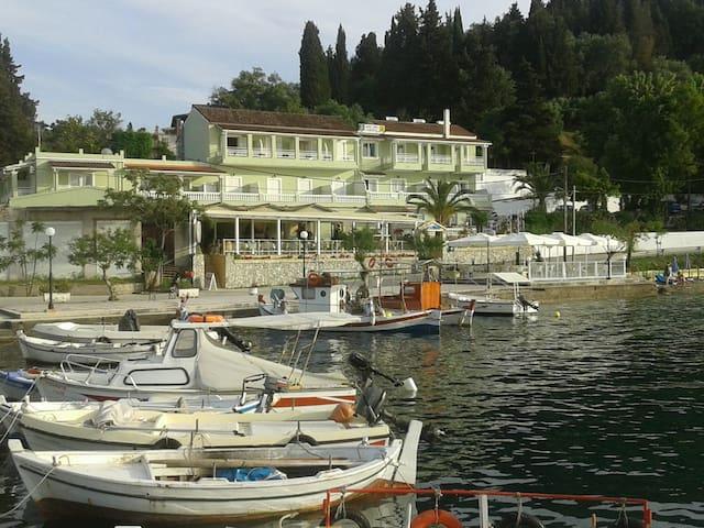 Golden Sunset Hotel Boukari Corfu - Kouspades - Bed & Breakfast