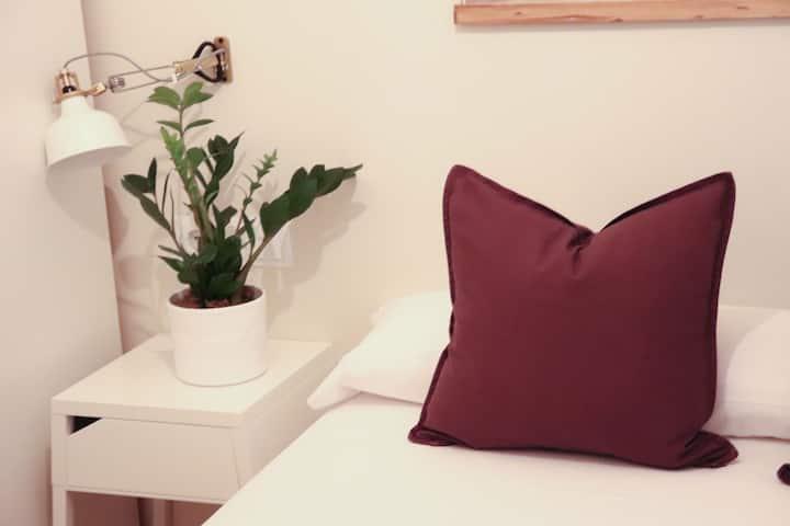 Dormitorio renovado en pleno centro de Vigo