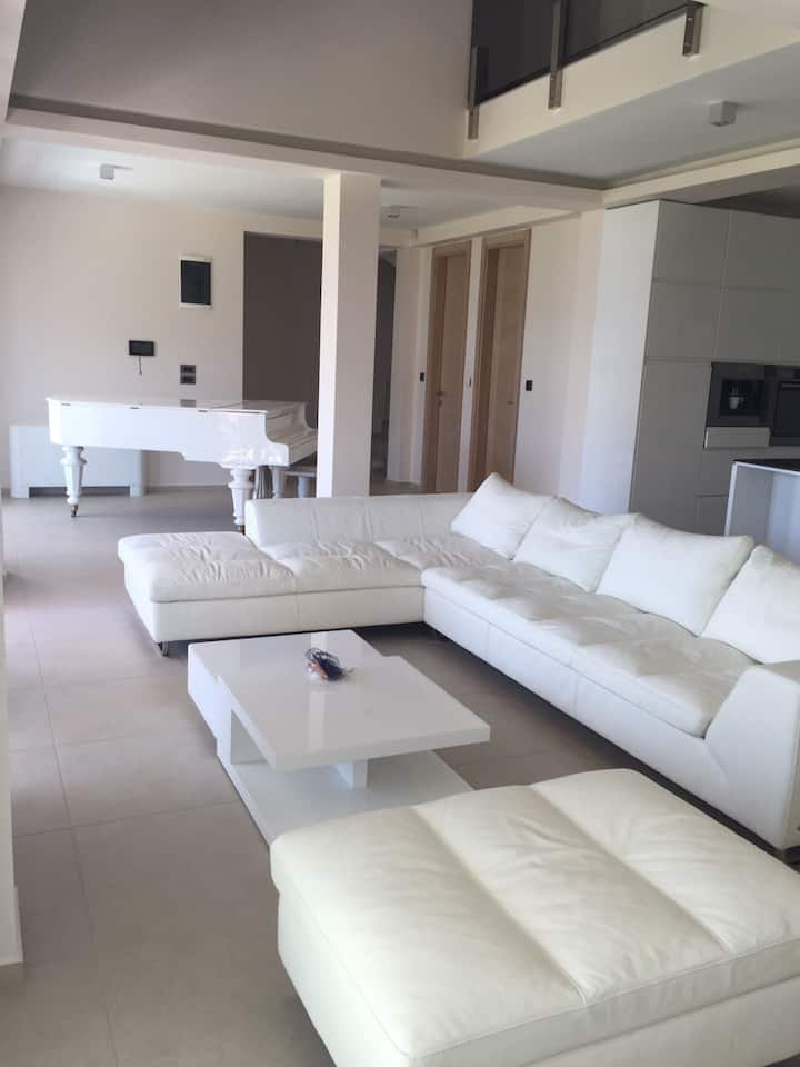 Luxury duplex in Villa Dea