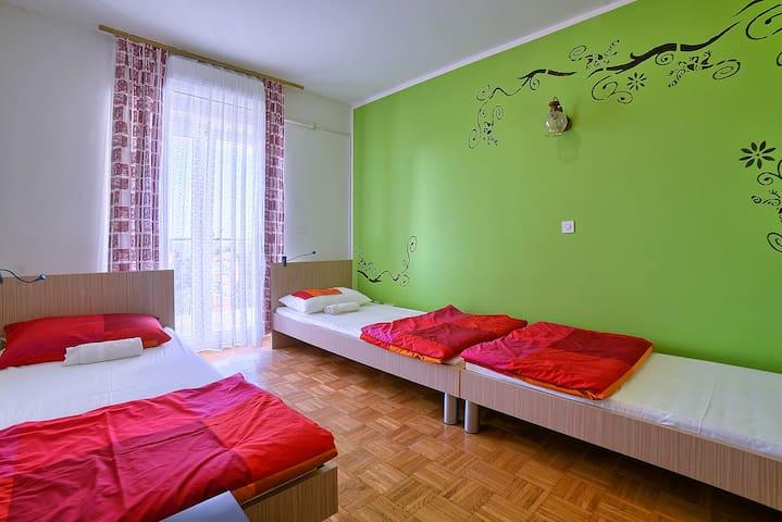 Private 3 bed room,sea view,Štinjan - 풀라 - 기숙사