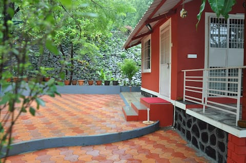 PARNAKUTI - Homestay -Ideal for families & friends