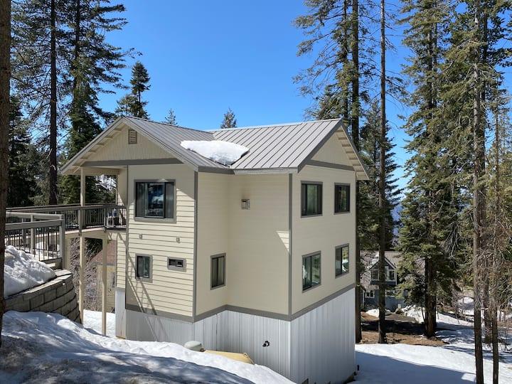 Yosemite's Pine Cove 3 bedroom 2 bathroom home