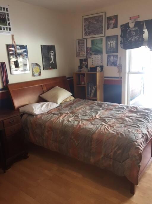 Bedroom 1 Full very nice bed