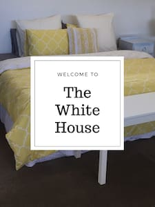 Welcome to The White House - Highton - Banglo